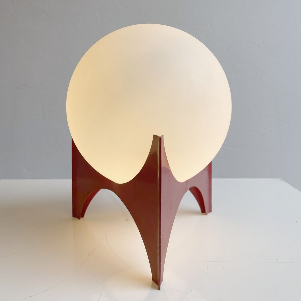 White sphere sixties table lamp