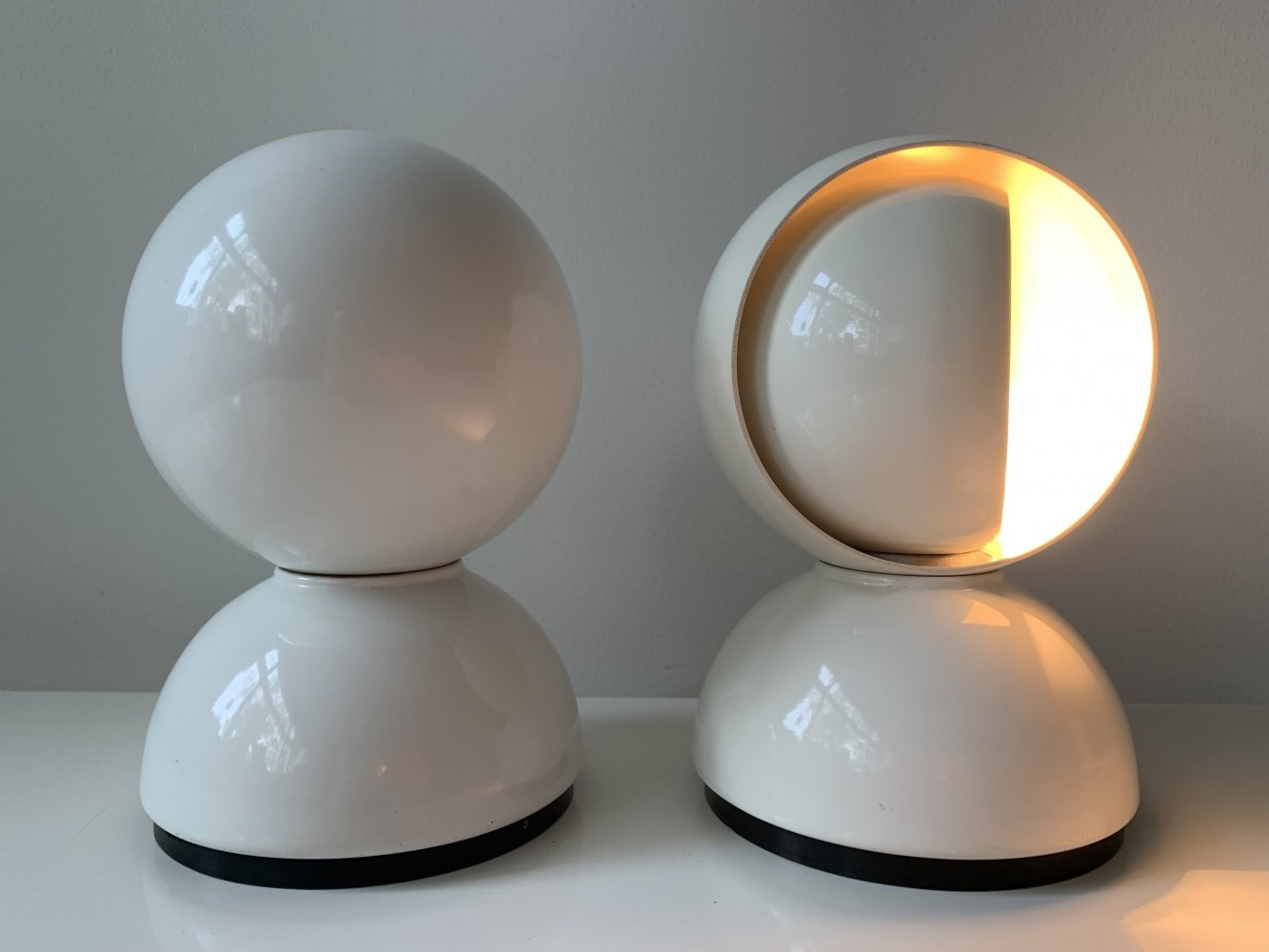 Set of white Eclisse table lights by Vico Magistretti for Artemide, 1970s