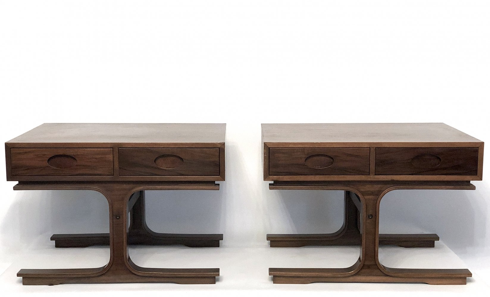 Set of two Signed wooden night-tables by Gianfranco Frattini for Bernini, 1950s