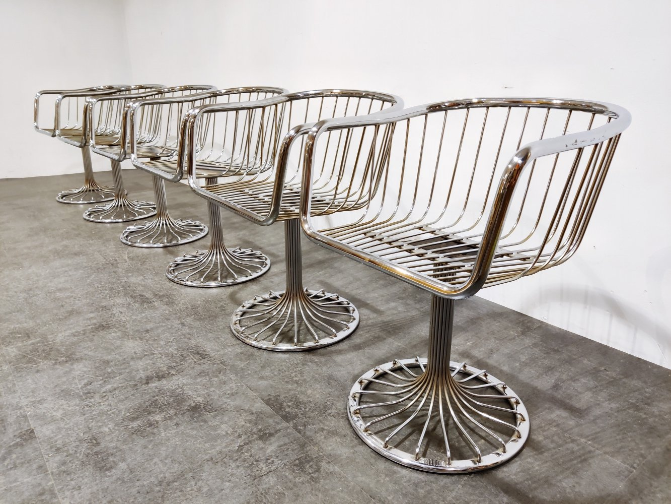 Set of 6 Vintage chrome wire swivel chairs, 1970s