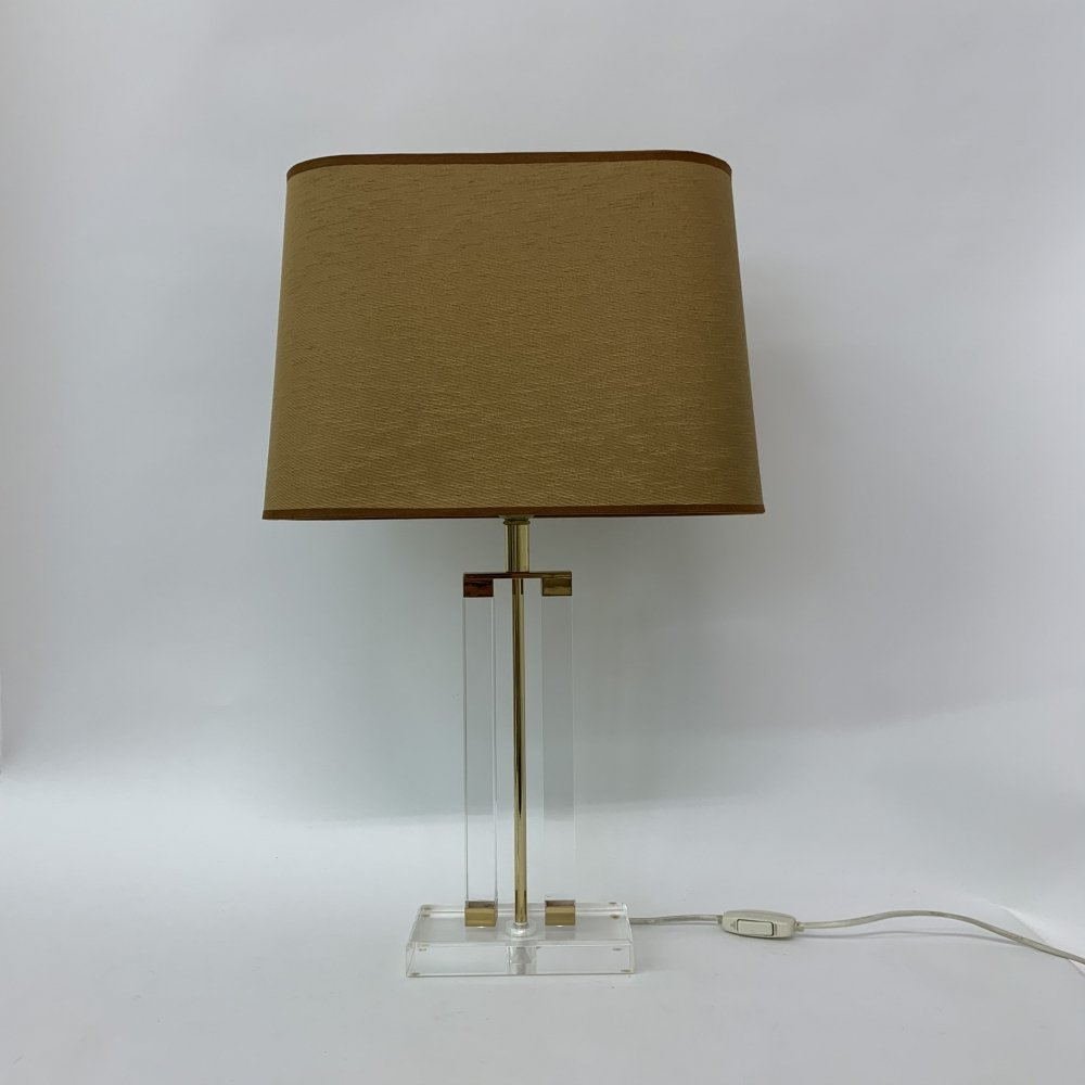 Hollywood regency lucite table lamp, 1970