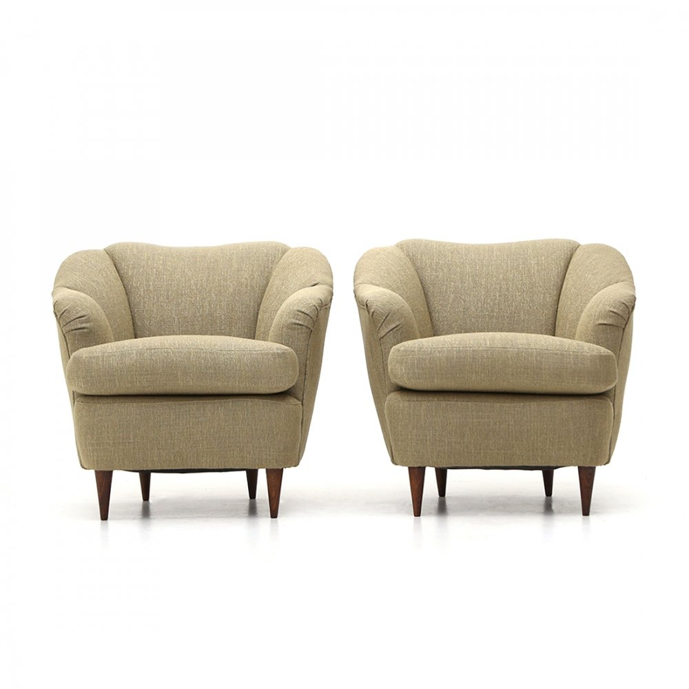 Pair of armchairs covered in ecru fabric, 1940s