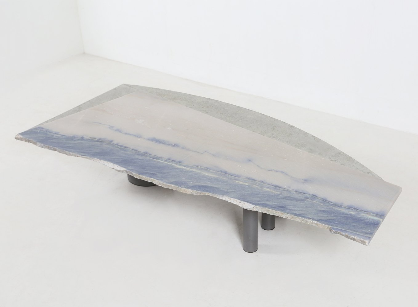 Rare Pia Manu table with a natural stone in dark blue & a metal tin edge, 1970s
