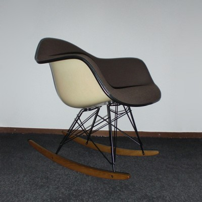 rar rocking chair by charles ray eames for vitra 1950s 8322. Black Bedroom Furniture Sets. Home Design Ideas