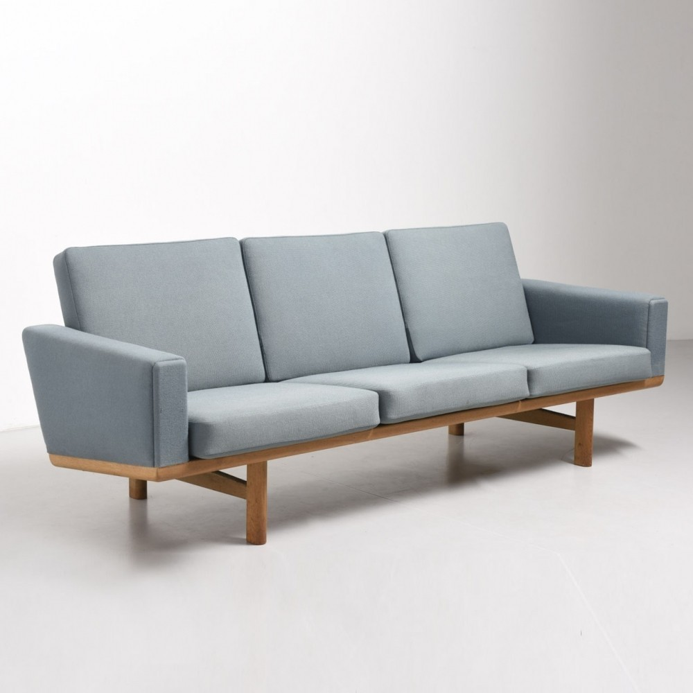 ge 236 sofa by hans wegner for getama 1950s 44178. Black Bedroom Furniture Sets. Home Design Ideas