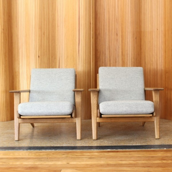 Pair Of GE 290 Lounge Chairs By Hans Wegner For Getama