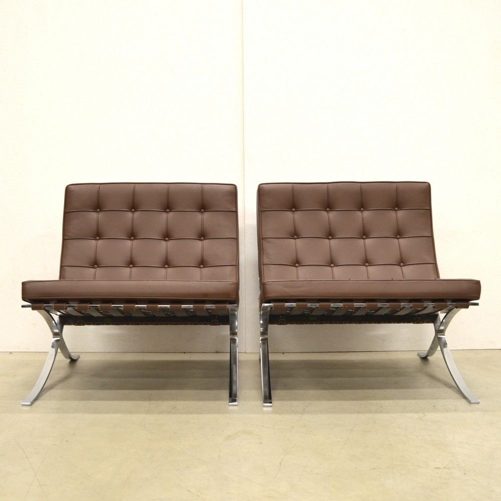 Pair Of Barcelona Lounge Chairs By Ludwig Mies Van Der Rohe For Knoll International 1920s 50888