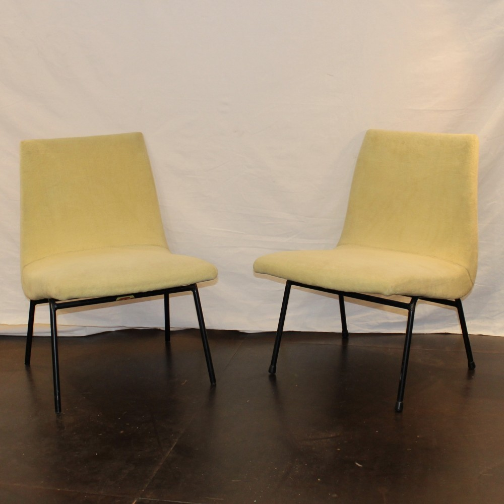 pair of lounge chairs by pierre paulin for meubles tv 1950s 53941. Black Bedroom Furniture Sets. Home Design Ideas