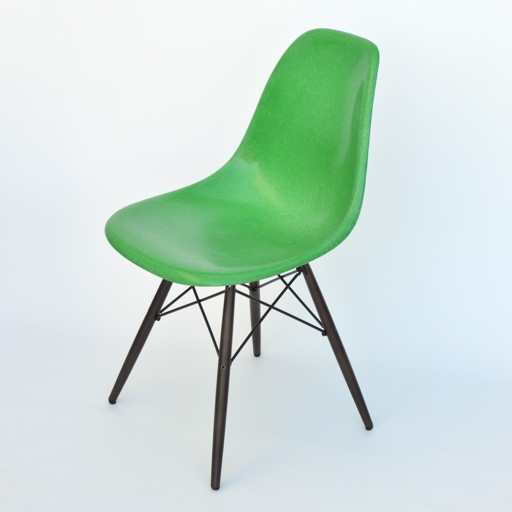 8 x dsw fiberglass dinner chair by charles ray eames for. Black Bedroom Furniture Sets. Home Design Ideas