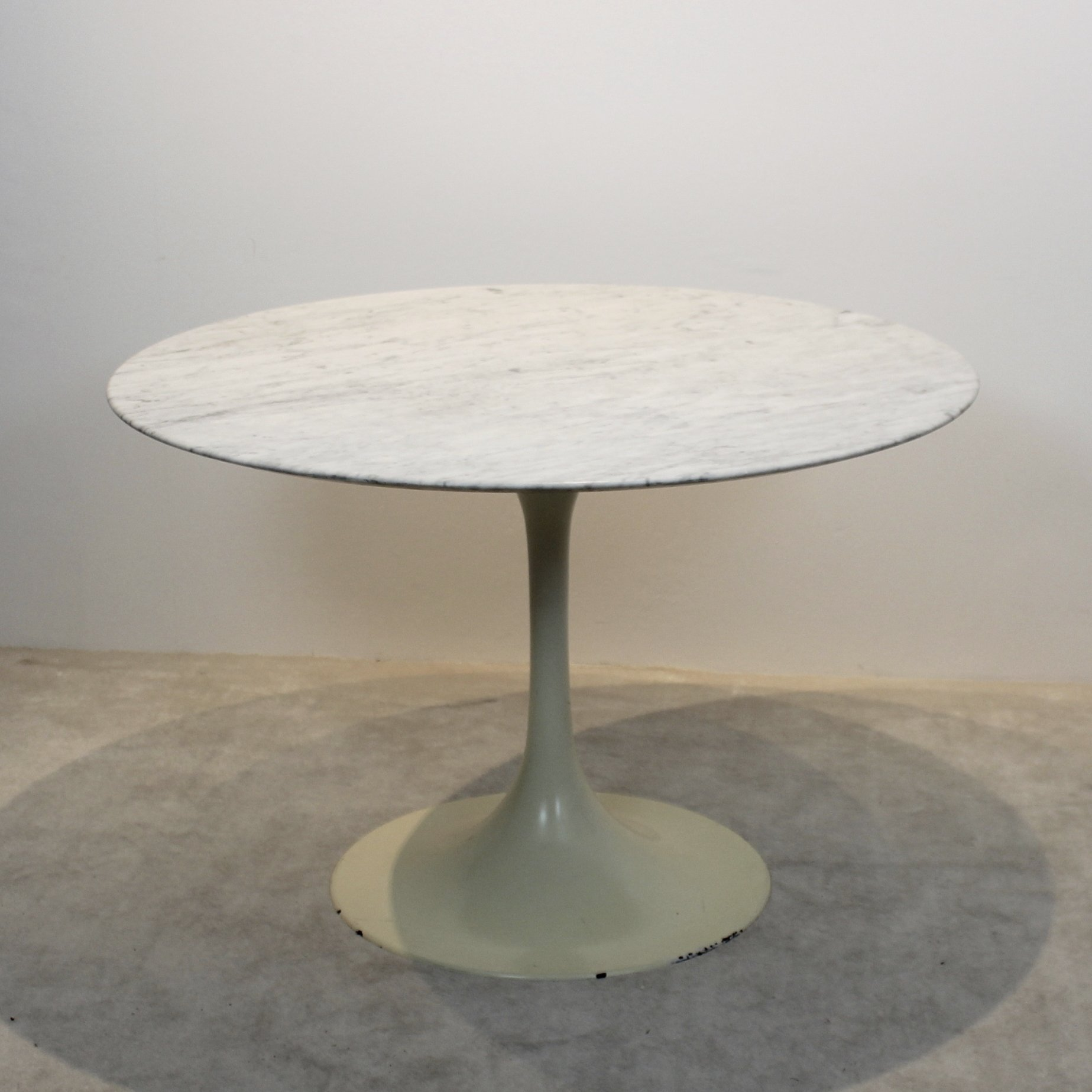 Tulip Dining Table With Marble Top By Eero Saarinen For