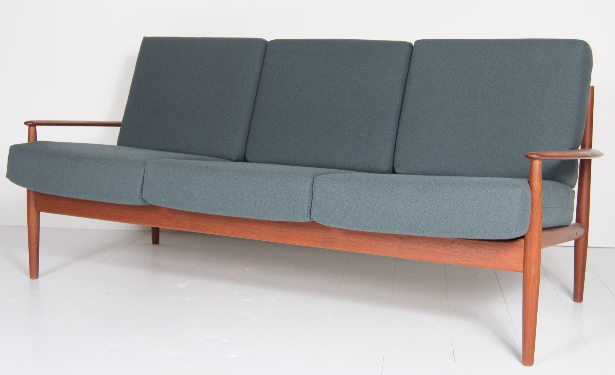 Model 118 sofa by Grete Jalk for France & Son, 1950s | #59408