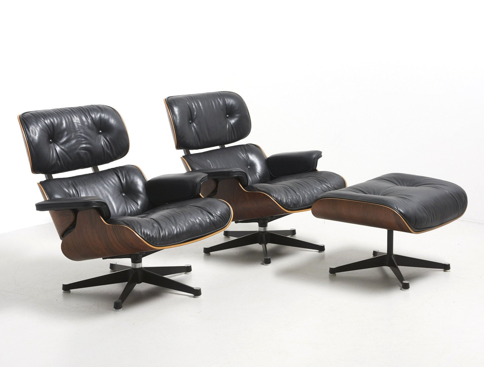 2 lounge chairs from the fifties by charles ray eames. Black Bedroom Furniture Sets. Home Design Ideas
