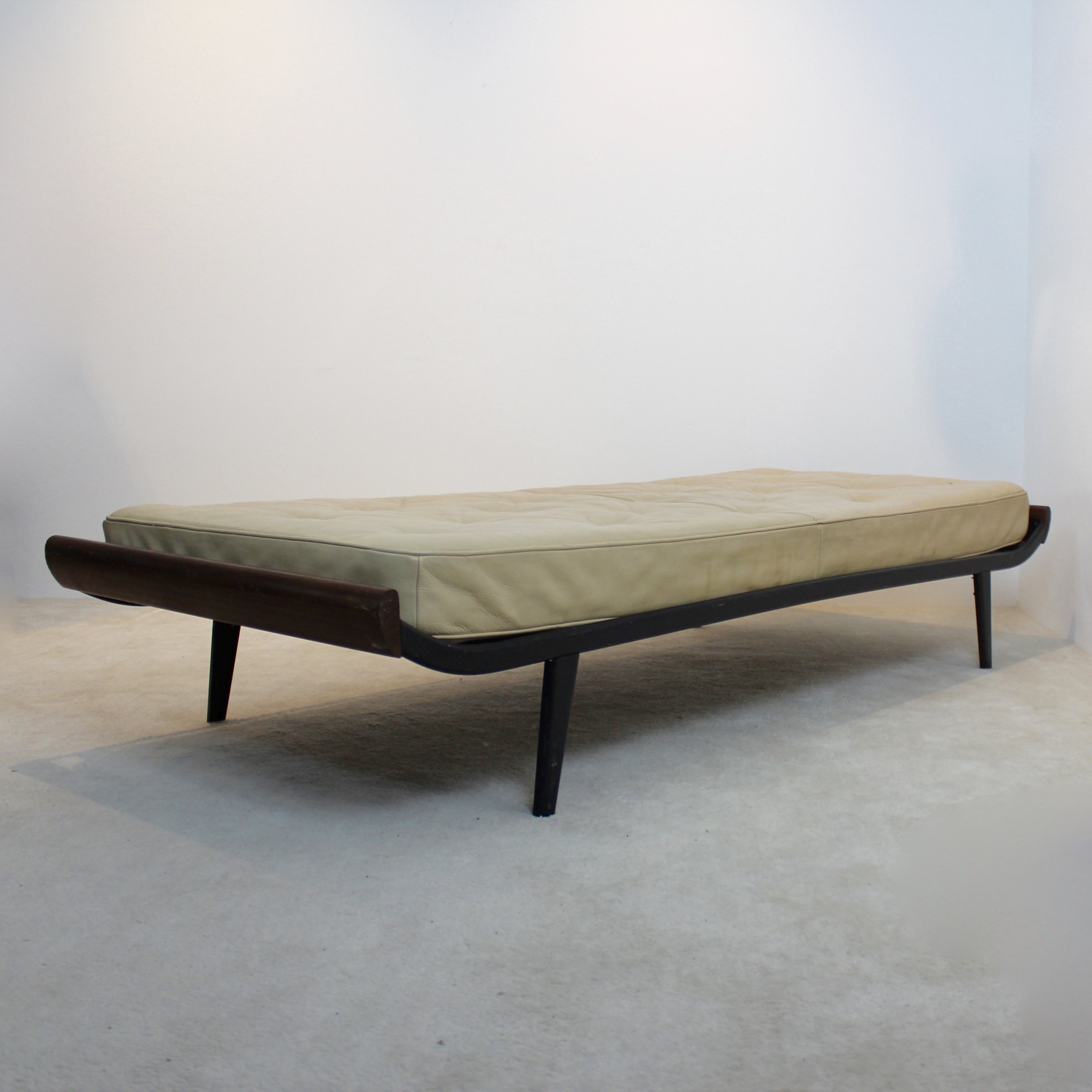 Cleopatra Daybed By Cordemeijer For Auping With Original Leather Mattress