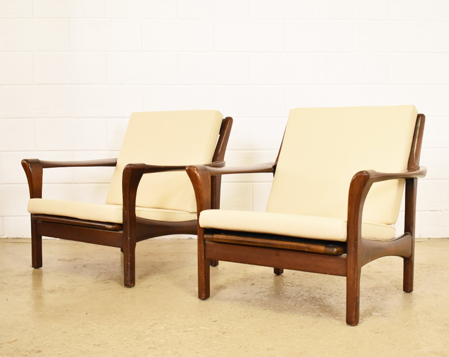 Pair of stella lounge chairs by walter knoll for knoll antimott pair of stella lounge chairs by walter knoll for knoll antimott 1960s parisarafo Gallery