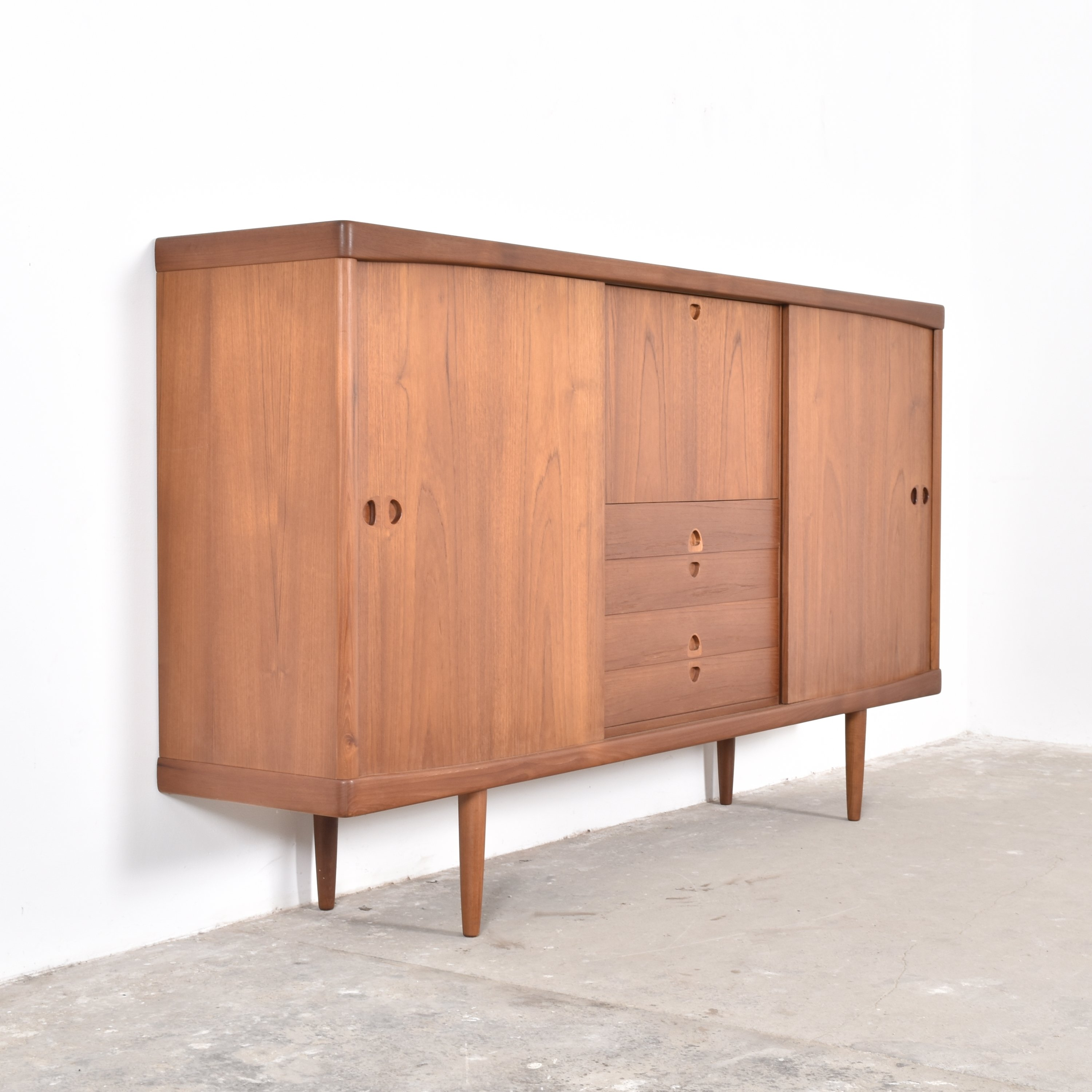 sideboard from the fifties by henry w klein for bramin 60841. Black Bedroom Furniture Sets. Home Design Ideas