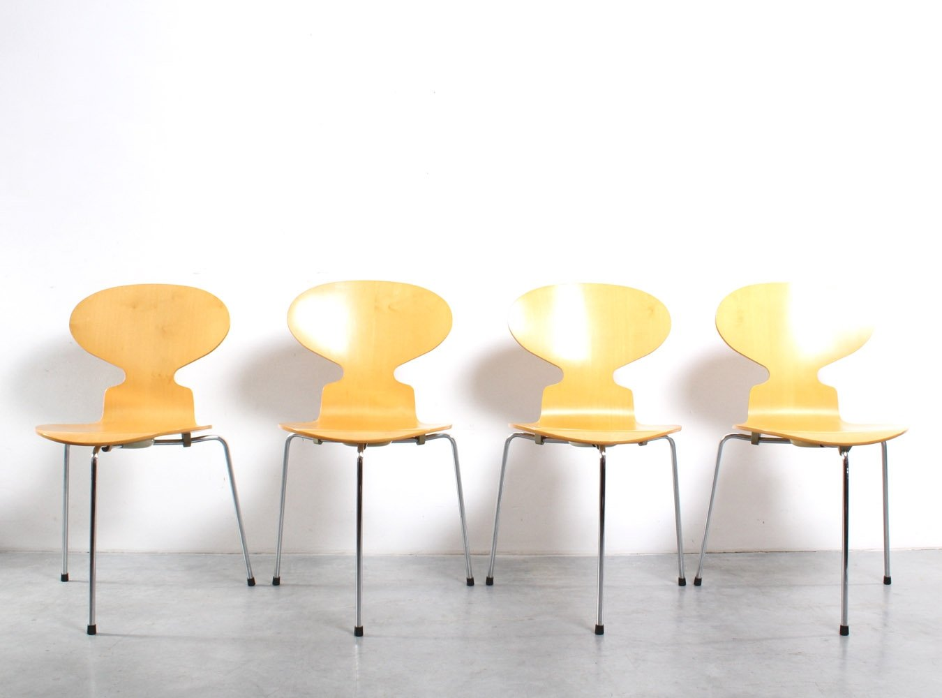 Set Of 4 Ant Dinner Chairs From The Sixties By Arne
