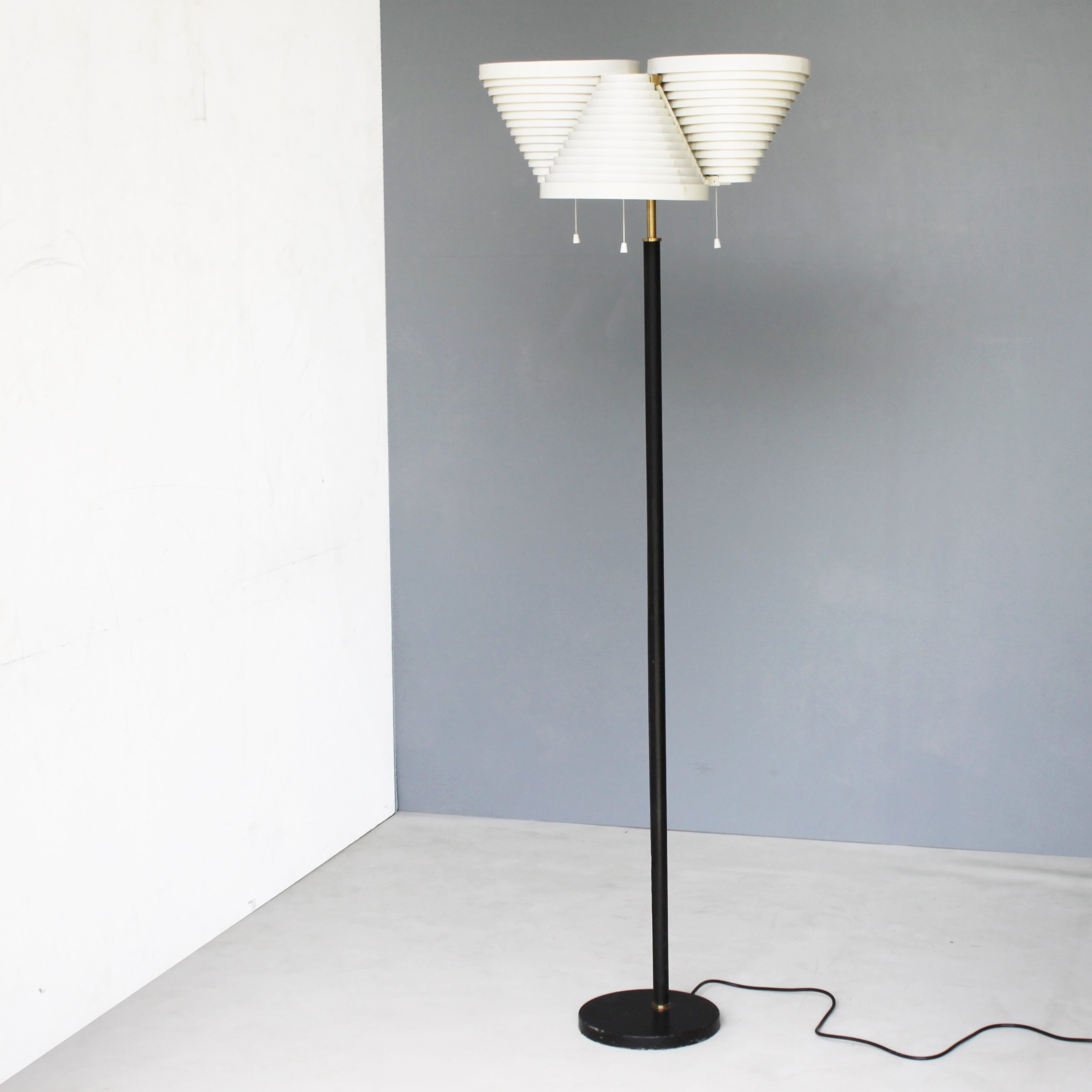 Floor lamp a809 by alvar aalto for valaisinpaja oy 61188 floor lamp a809 by alvar aalto for valaisinpaja oy mozeypictures Image collections