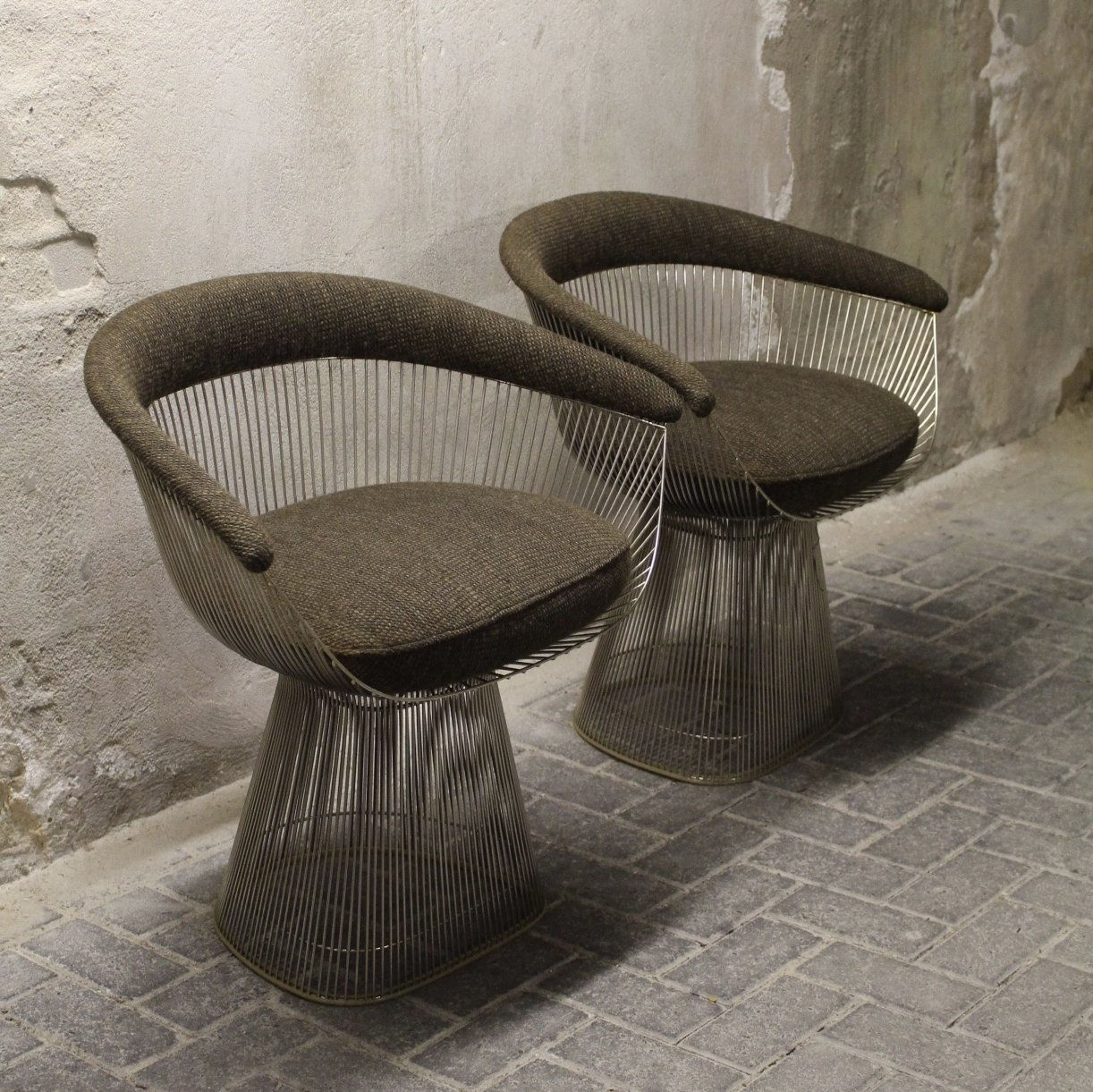Set Of 2 Model 1725a Arm Chairs From The Sixties By Warren