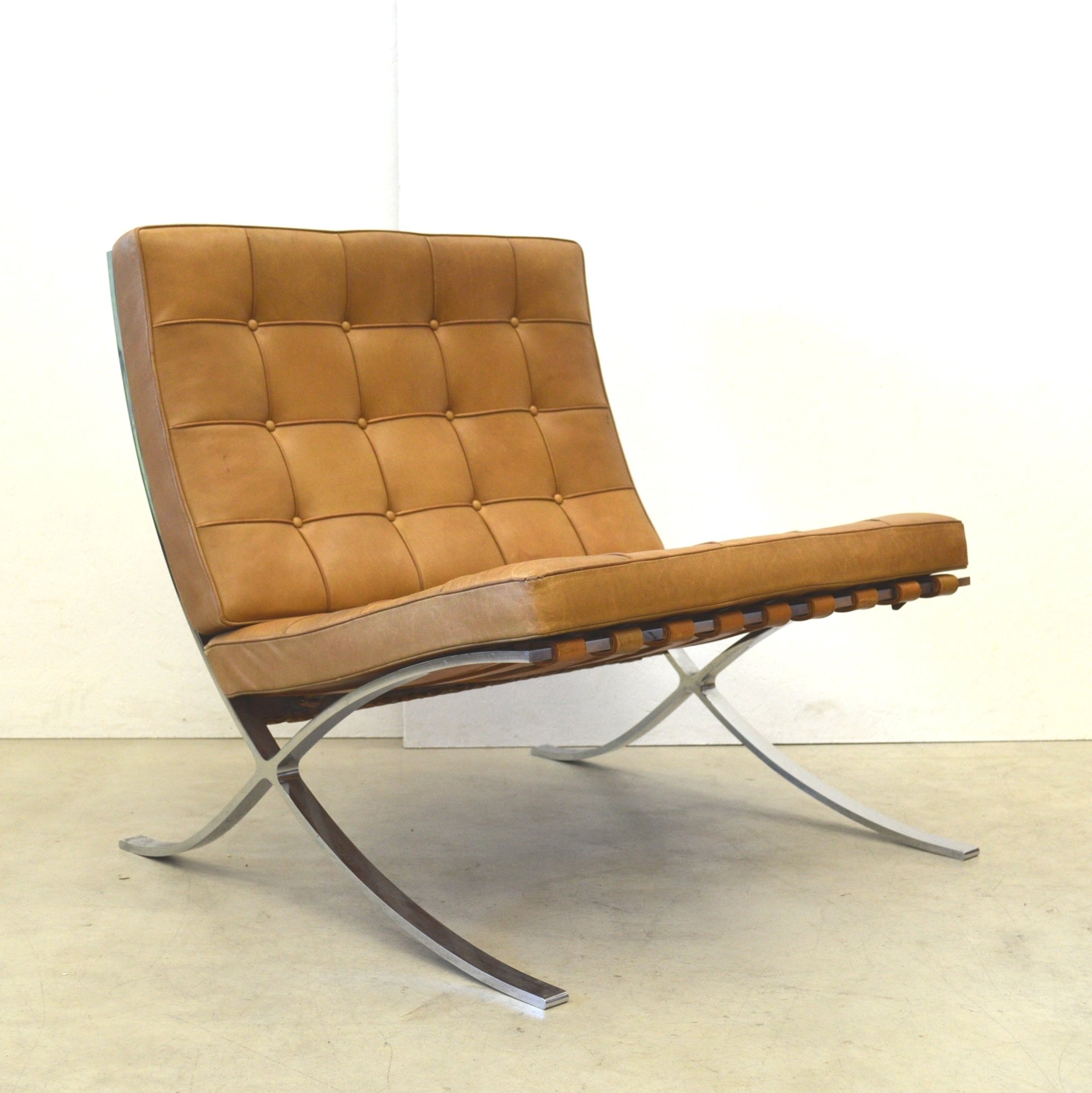 barcelona lounge chair from the sixties by ludwig mies van. Black Bedroom Furniture Sets. Home Design Ideas