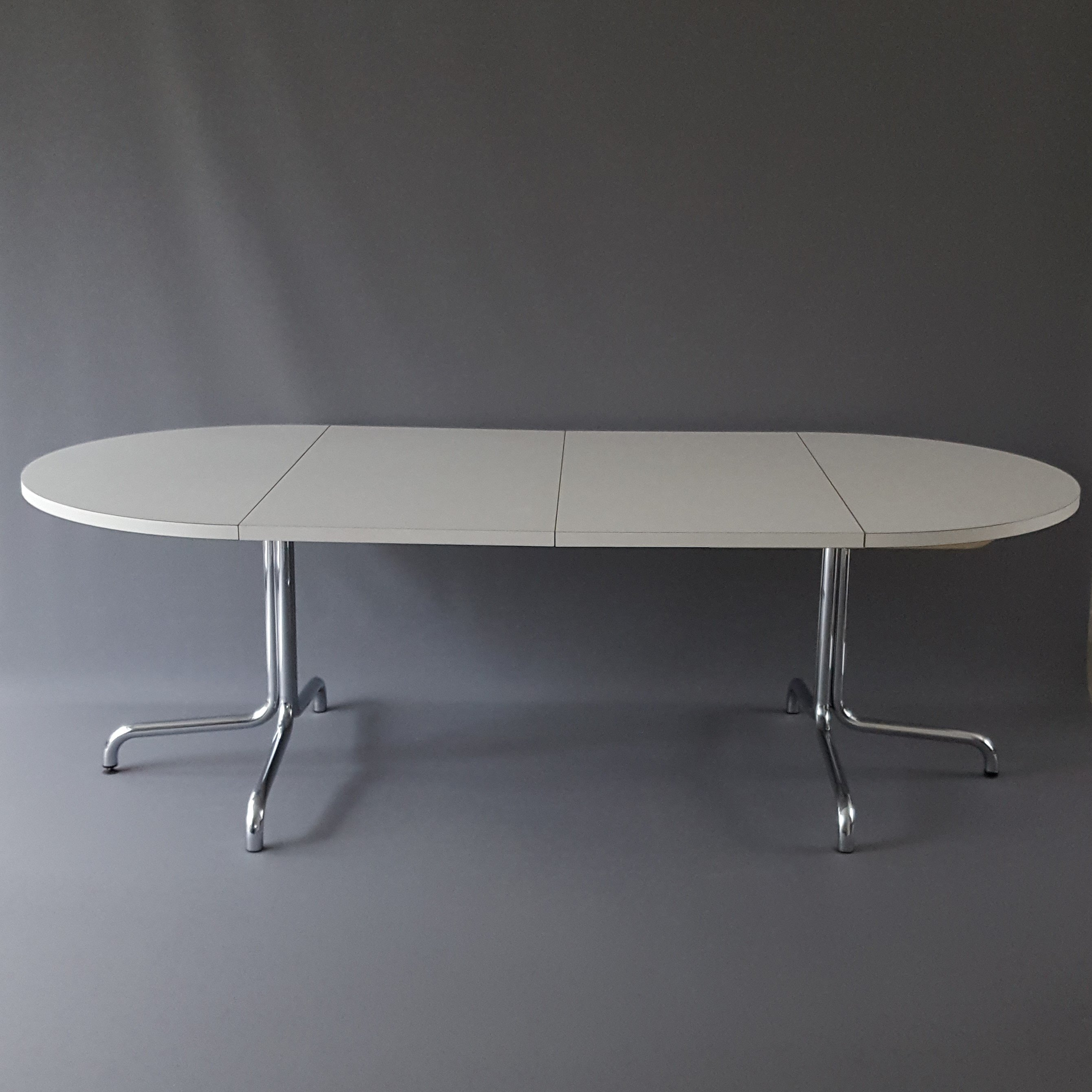 S1052 dining table by thonet 1980s 64463 for Table thonet