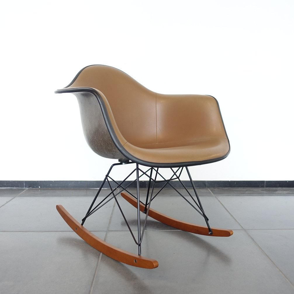 rocking chair by charles ray eames for herman miller. Black Bedroom Furniture Sets. Home Design Ideas