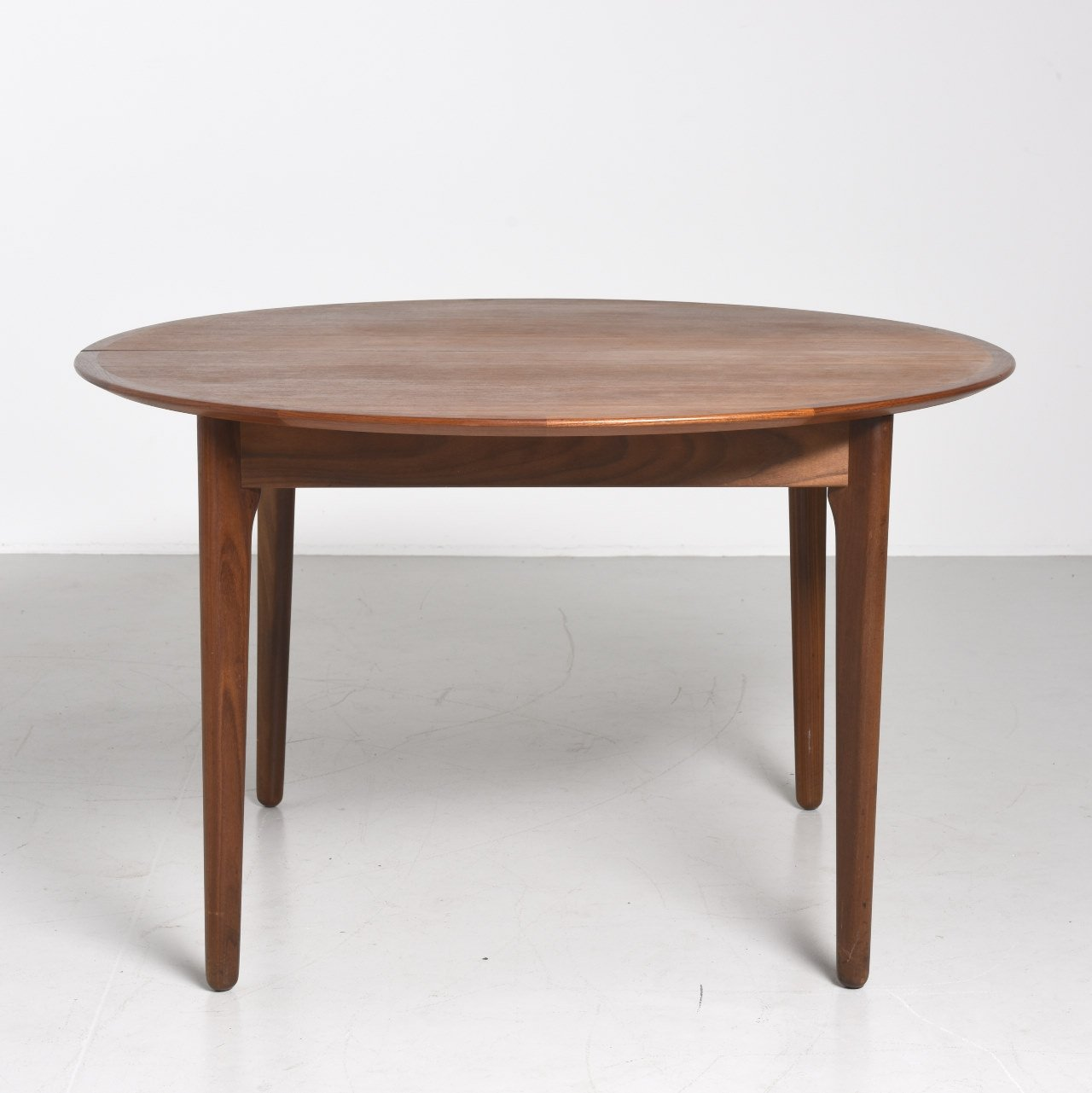 Round Dining Table In Teak With 1 Extension 1960s 66324