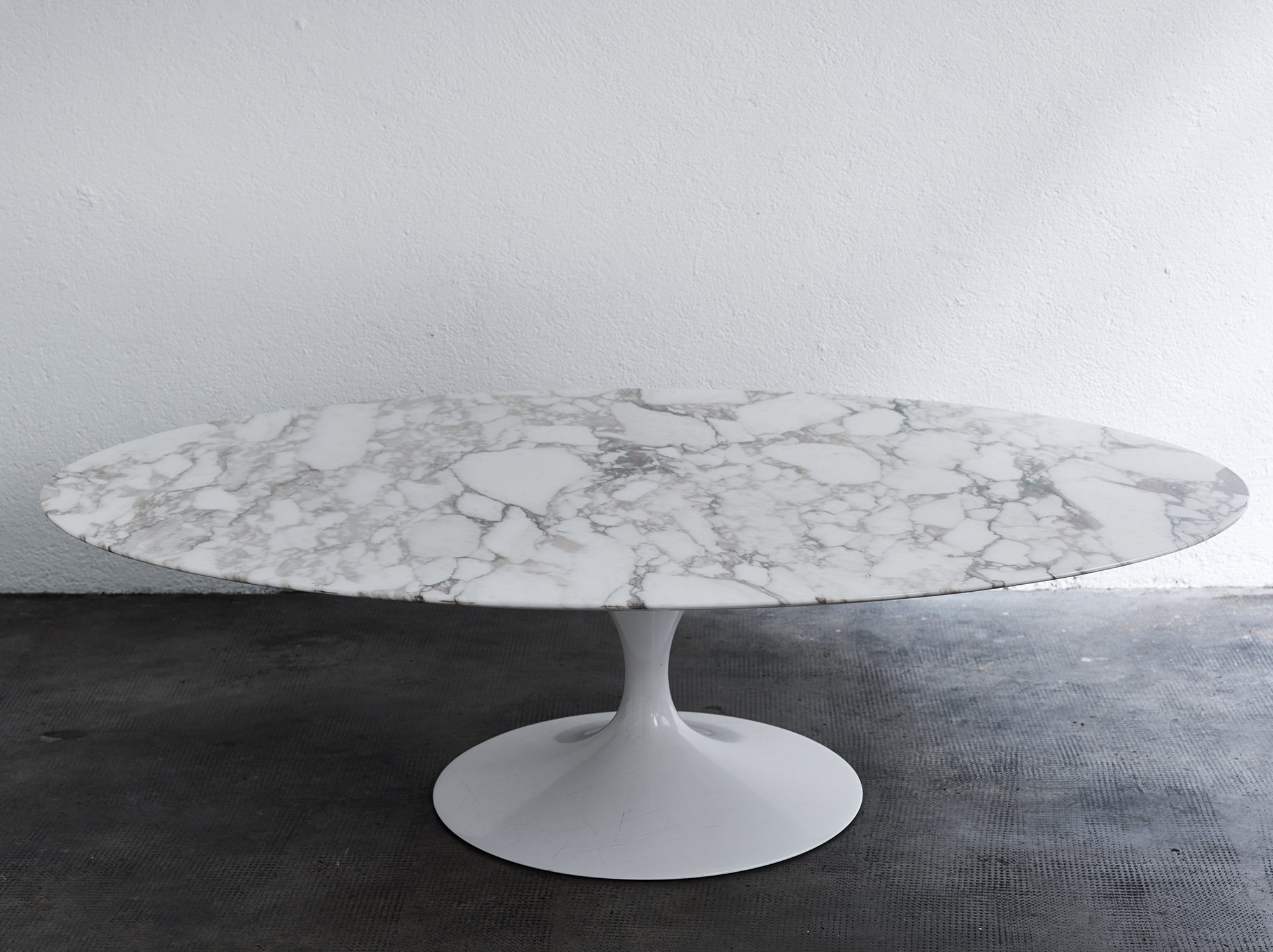 - Calacatta Marble Coffee Table By Eero Saarinen #67593