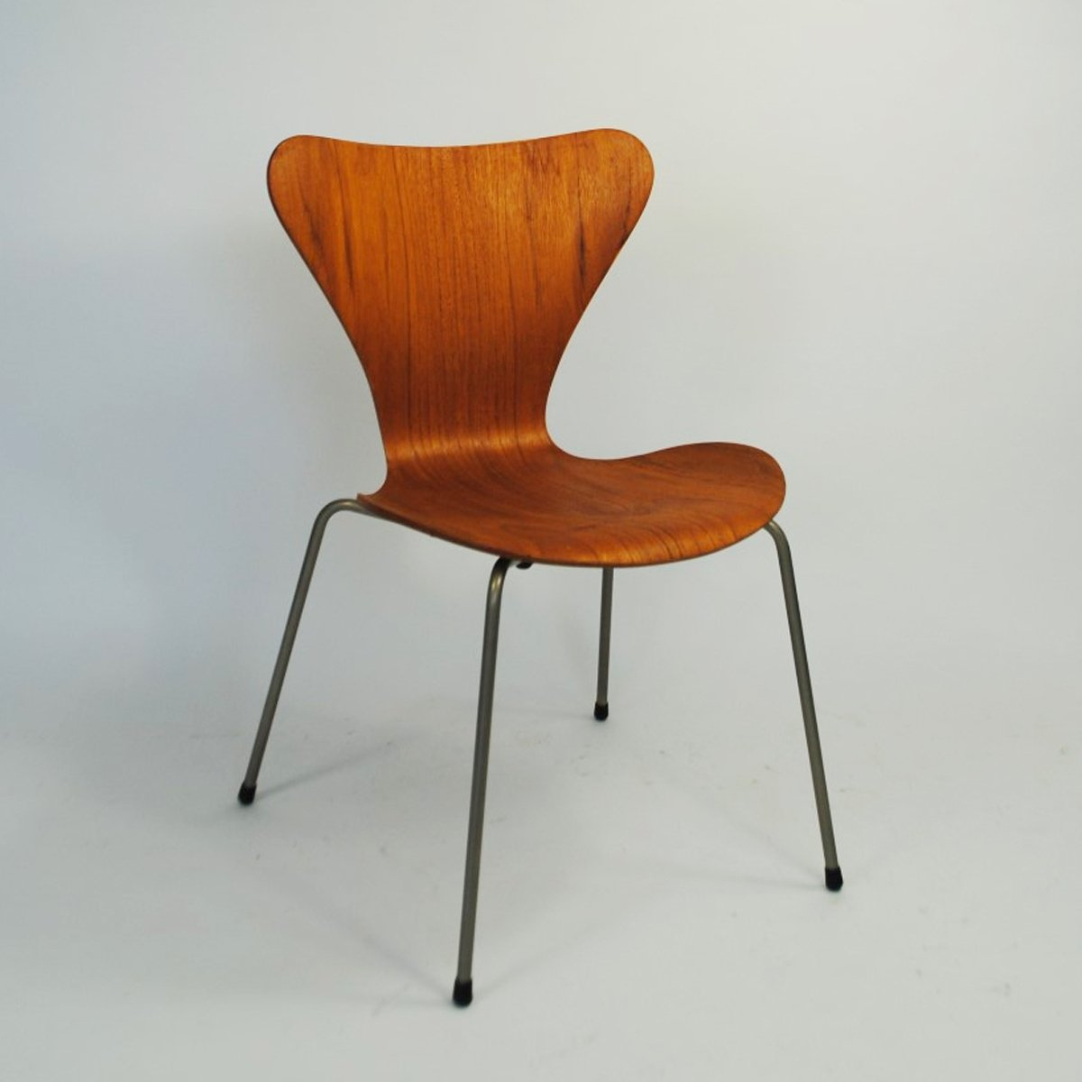 Model 3107 Dinner Chair By Arne Jacobsen For Fritz Hansen