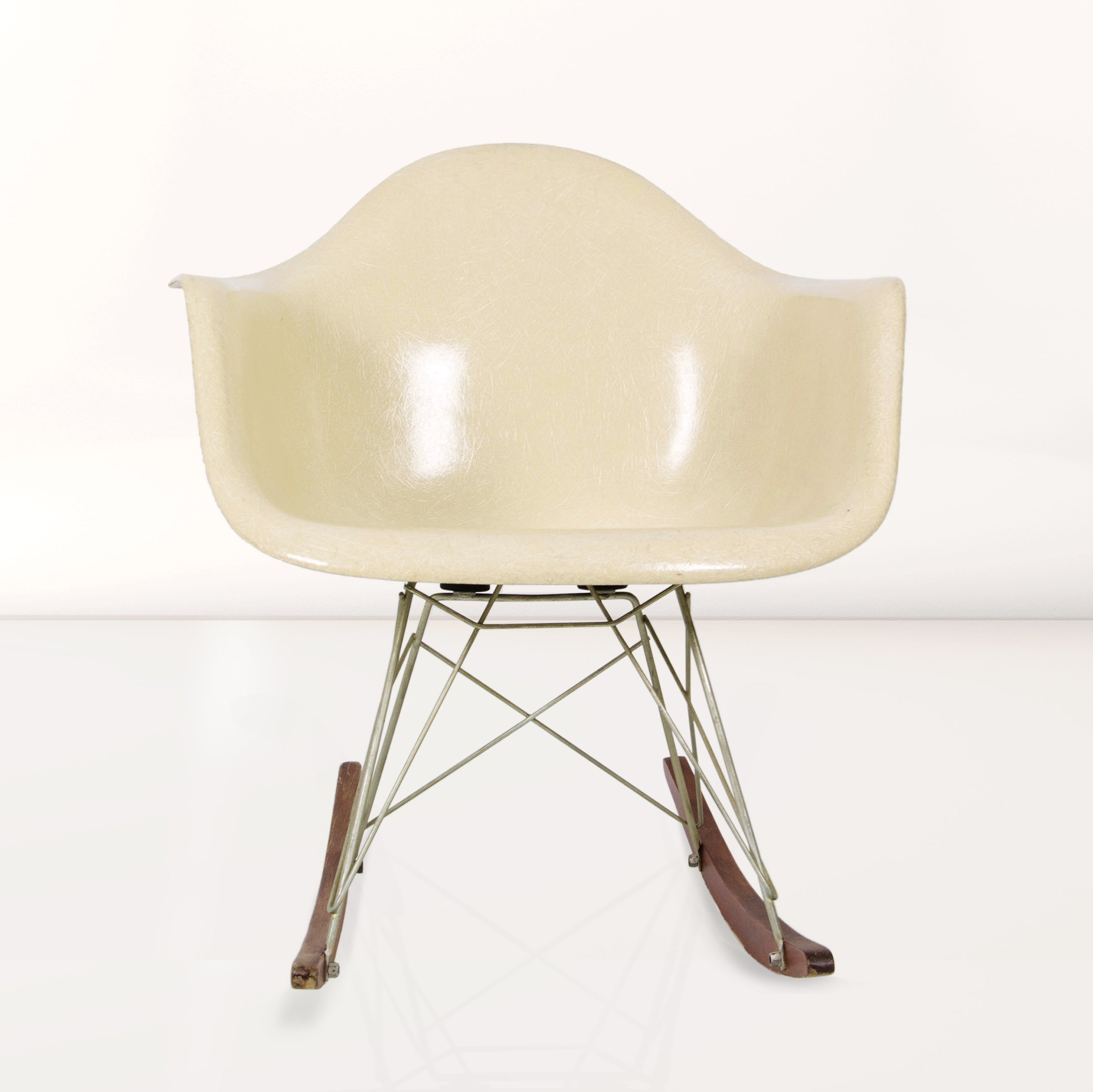 Rar rocking chair by charles ray eames for herman miller 1960s 69685 - Eames chair herman miller ...