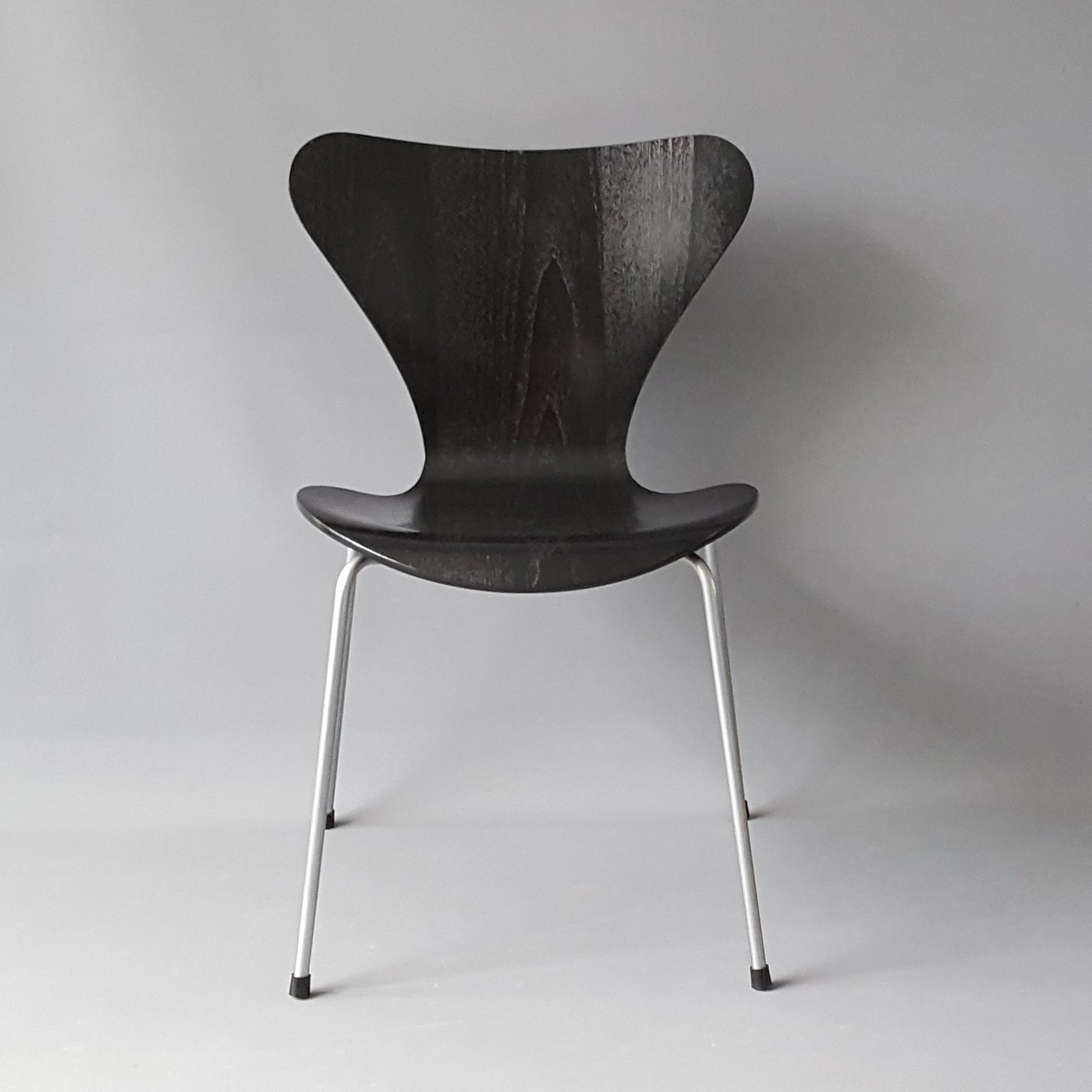 Dining Chair 3107 By Arne Jacobsen For Fritz Hansen