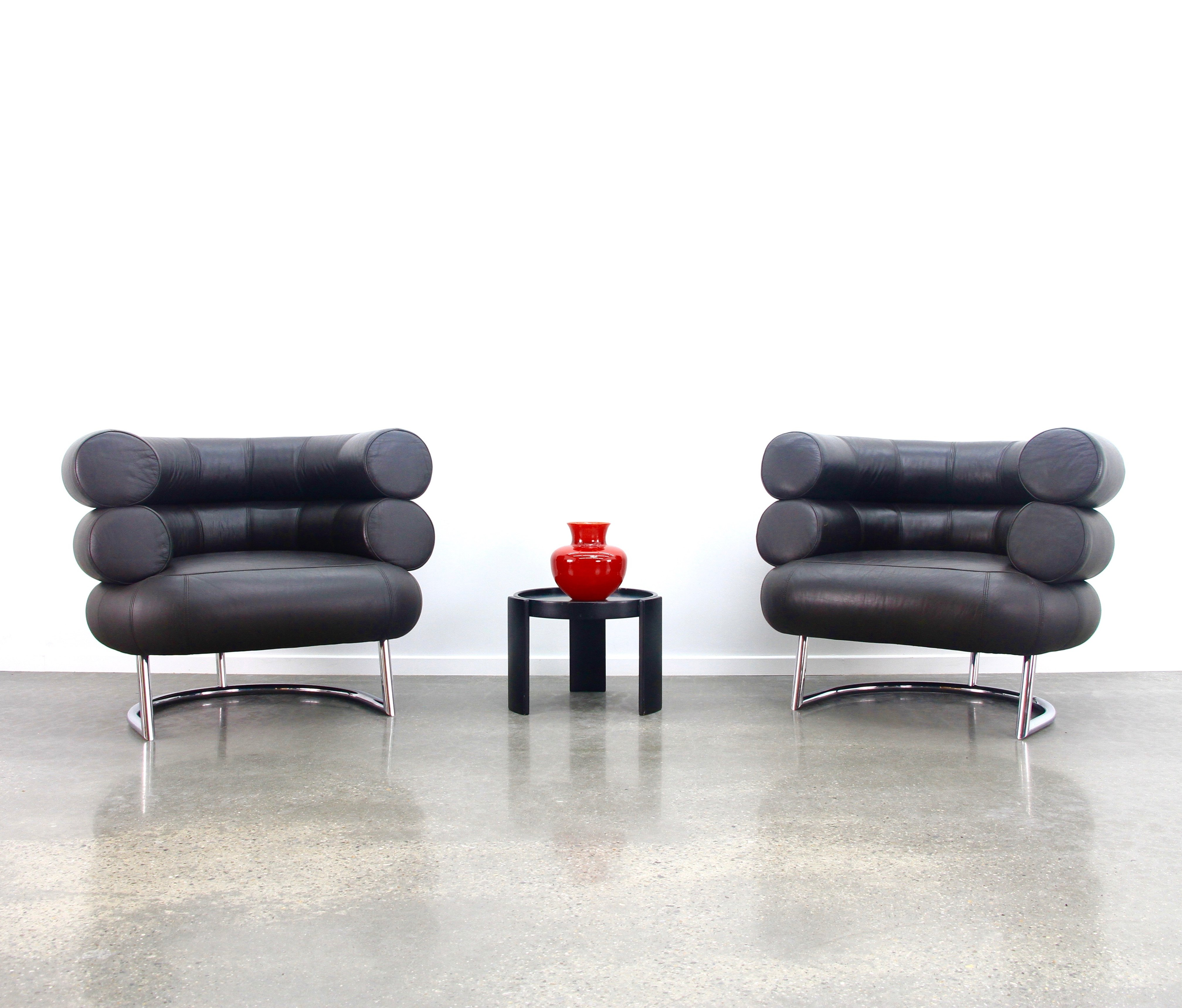 Pair of eileen gray bibendum chairs in dark brown leather for Eames lounge chair tweedehands