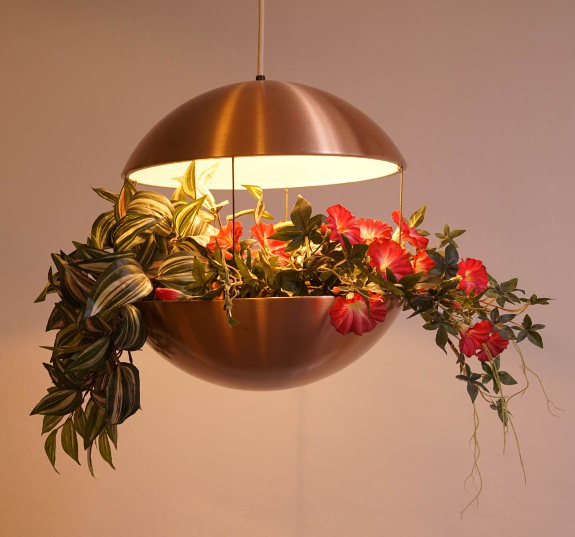 RS 25 Flower Lamp By Poul Cadovius