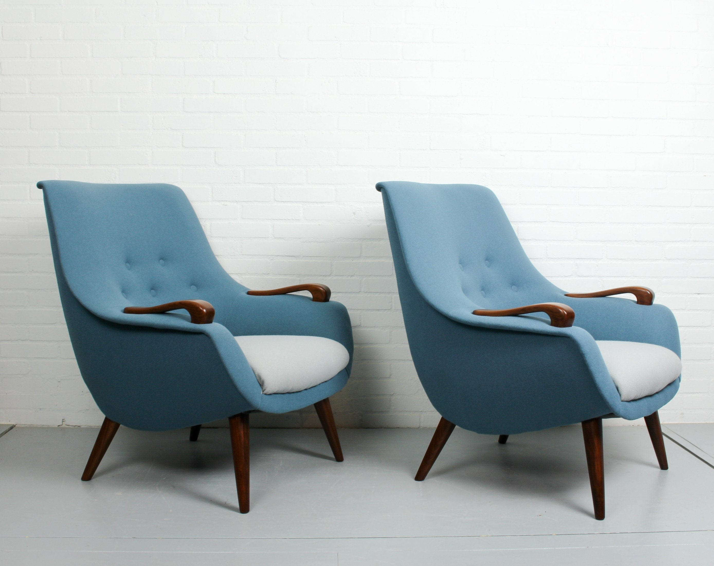 Pair Of Vintage Lounge Chairs 1950s 71482