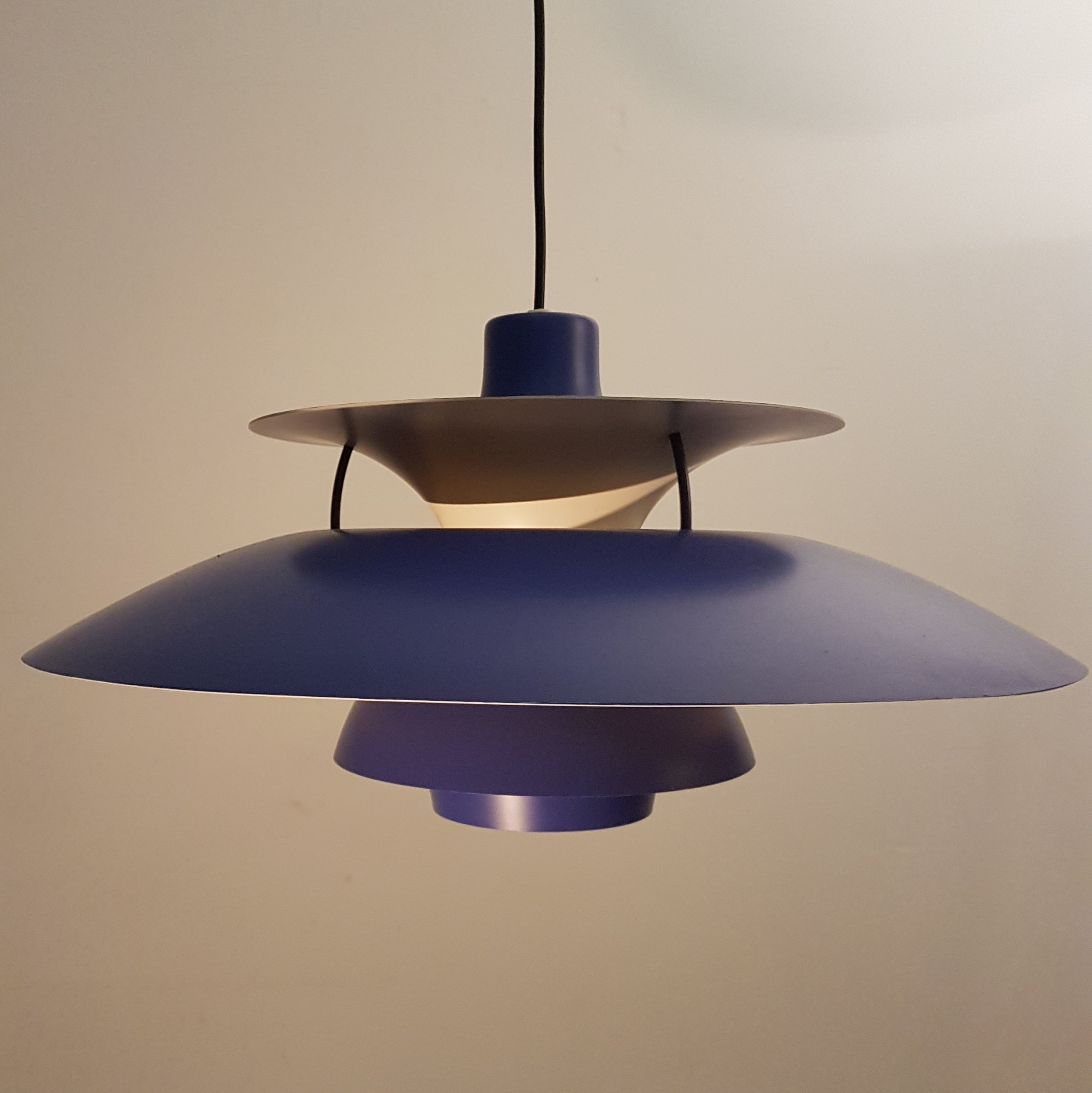 blue ph5 pendant by poul henningsen for louis poulsen. Black Bedroom Furniture Sets. Home Design Ideas