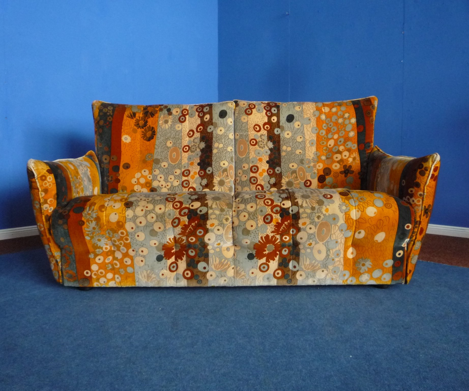 Sofa With Jack Lenor Larsen Fabric 1970s 73454