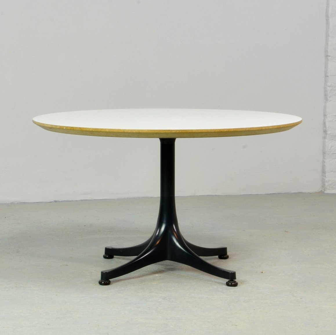 Round Swag Leg Coffee Table By George Nelson For Herman Miller 1960s 74457