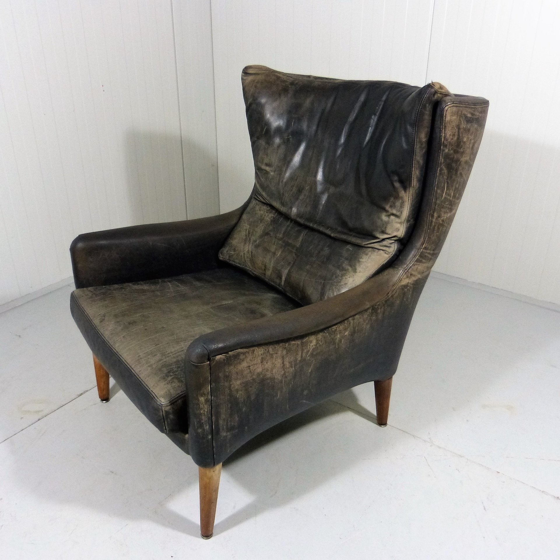 Comfortable Danish Leather Wingback Chair 77276