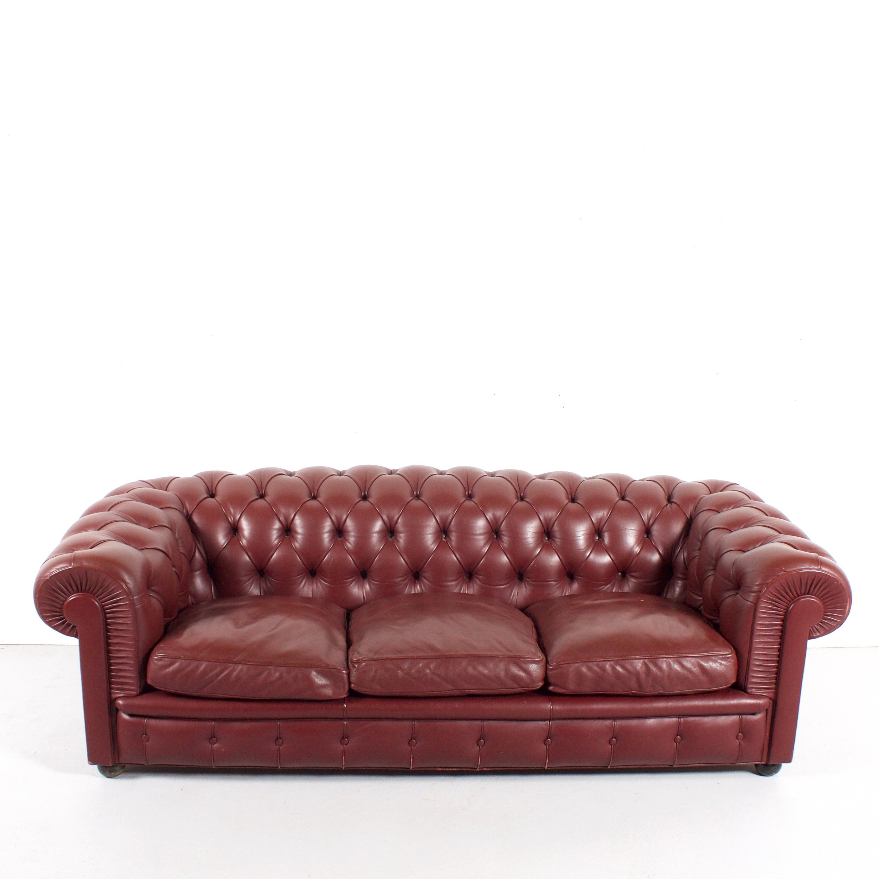 leather sofa for gray chair green impression and black rooms chesterfield elegant classy