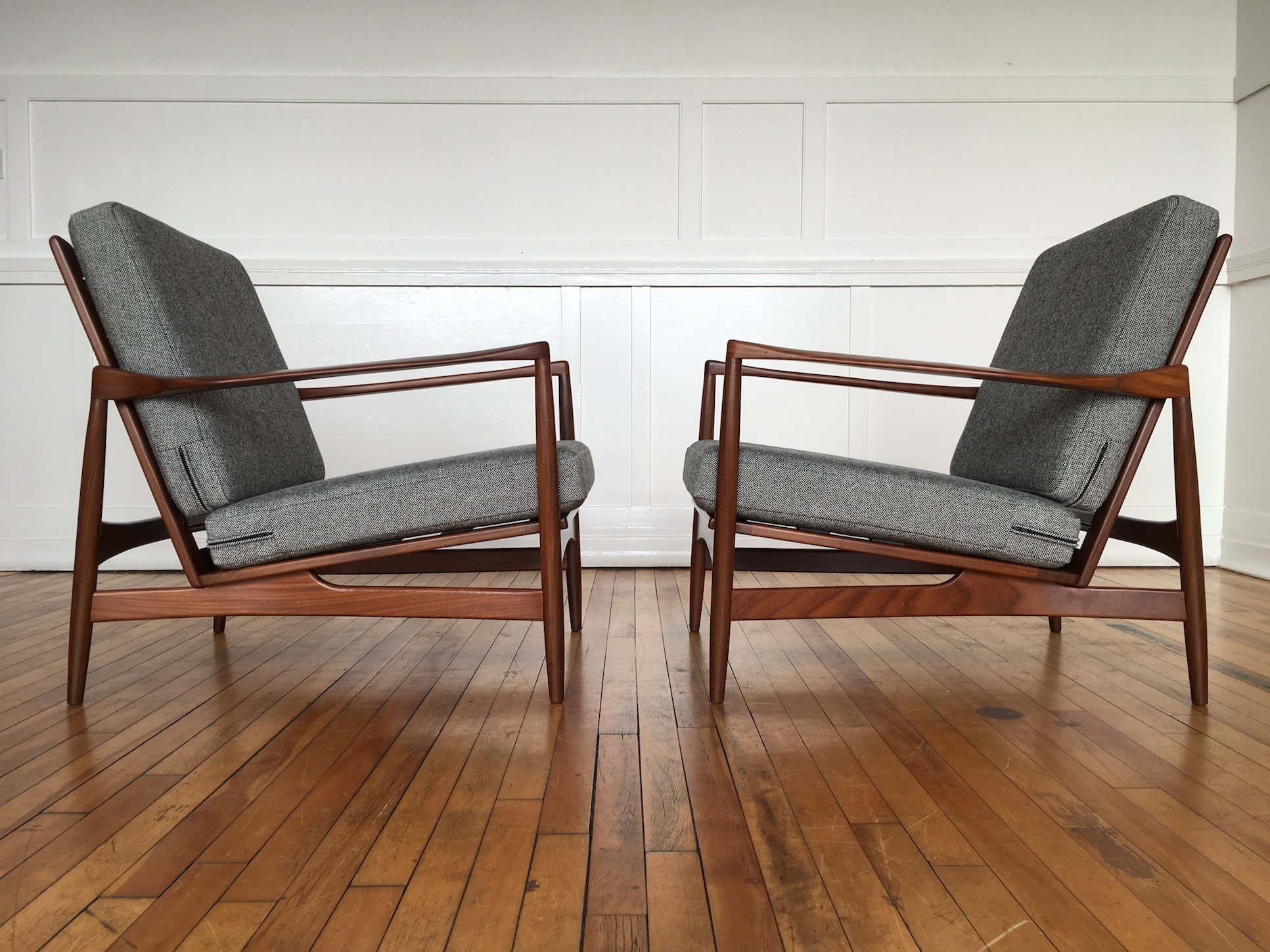 Ordinaire Pair Of Ib Kofod Larsen Easy Chairs Lounge Chairs For G Plan Danish Range