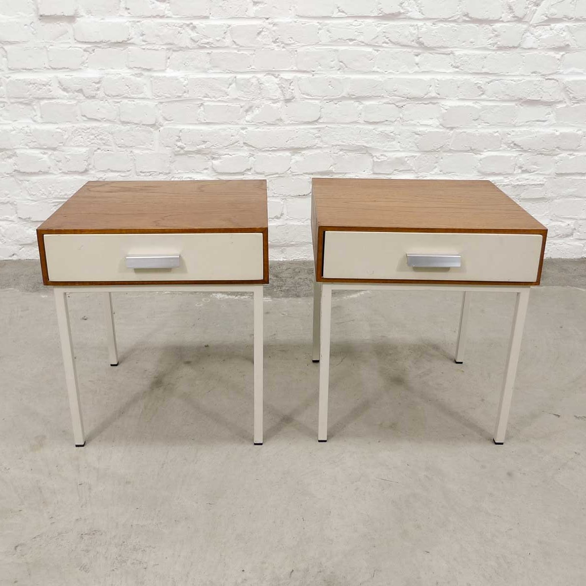 Picture of: Mid Century Pair Of Teak Wood Steel Bed Side Tables With White Drawer 1960s 78082