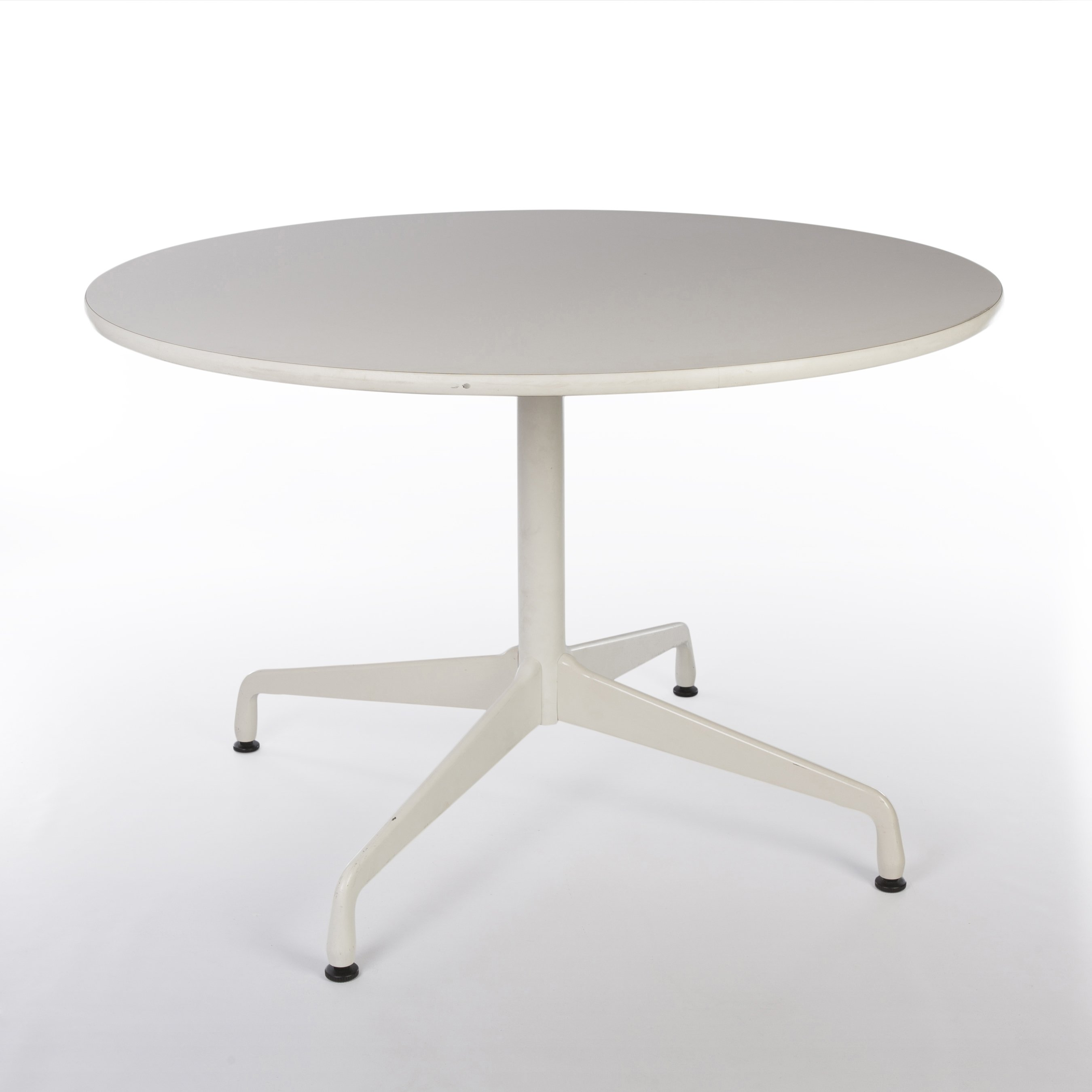 original herman miller white eames round contract table 78473. Black Bedroom Furniture Sets. Home Design Ideas