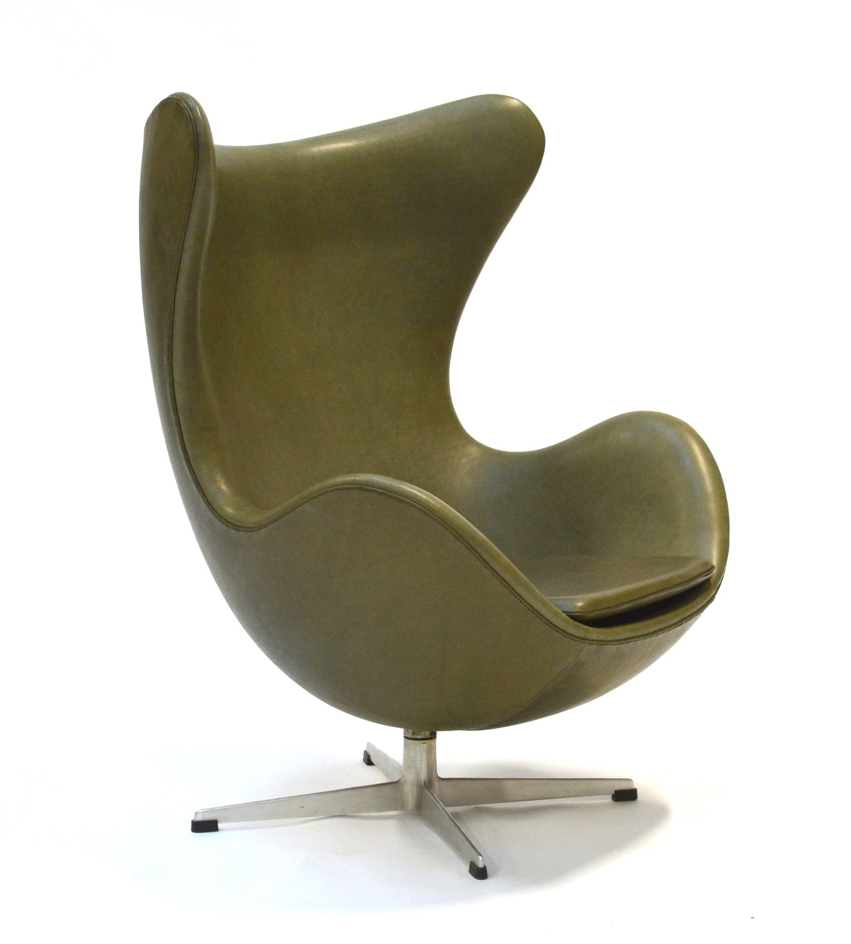 Early Edition Egg Chair By Arne Jacobsen For Fritz Hansen