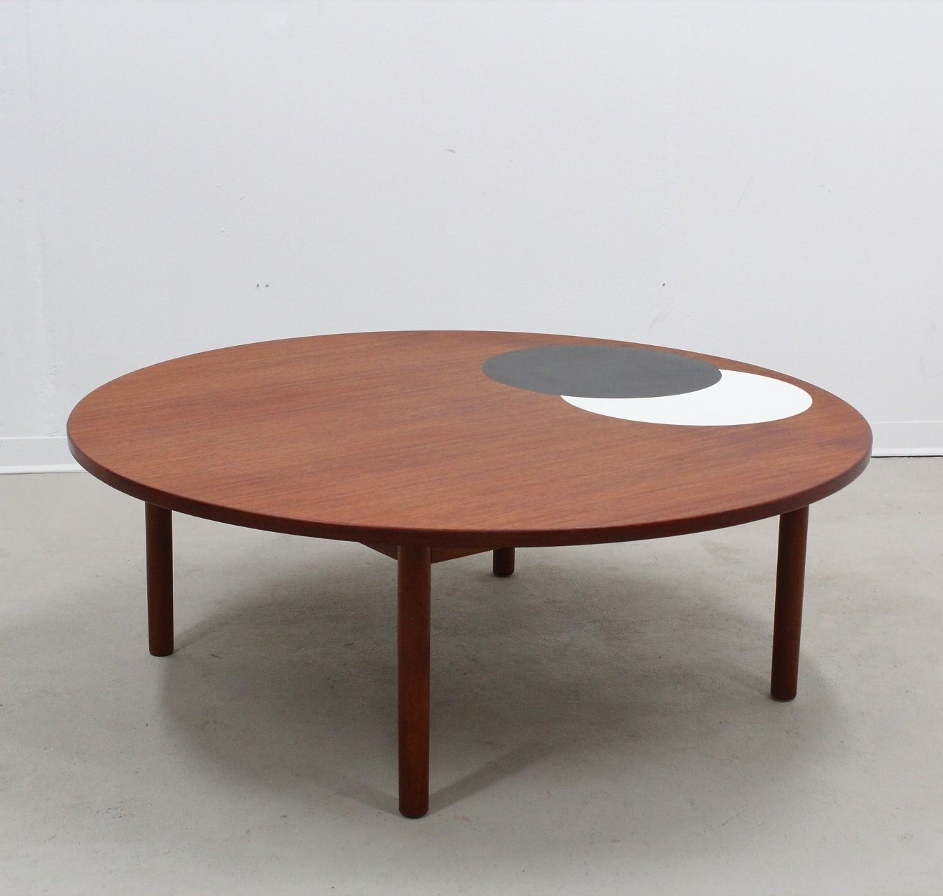 Large Mid Century Round Danish Coffee Table By Hans Per