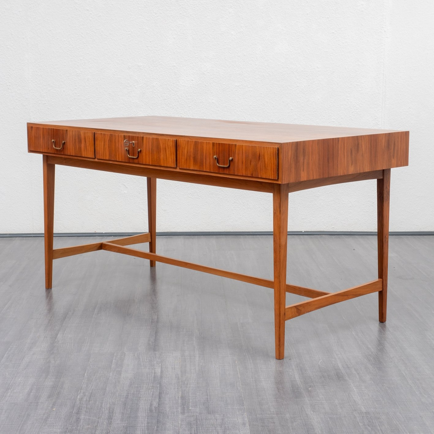 Image of: Large Midcentury Desk In Walnut 1950s 82462