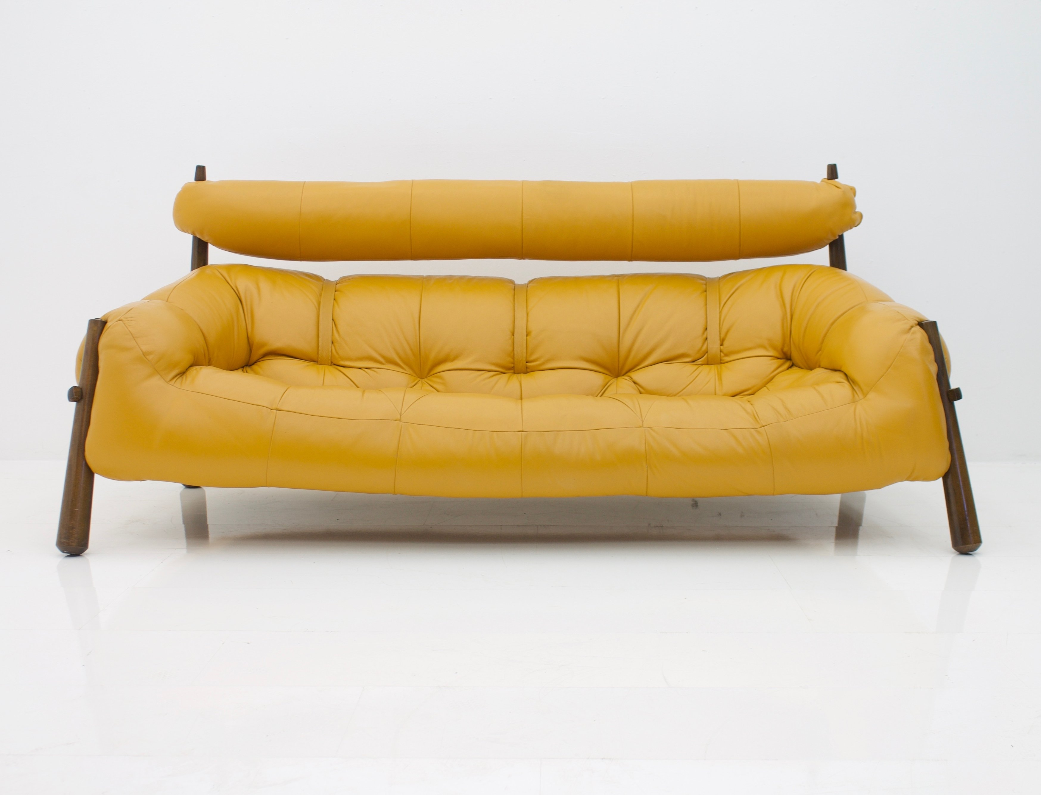 - MP-81 Leather Sofa By Percival Lafer #82959