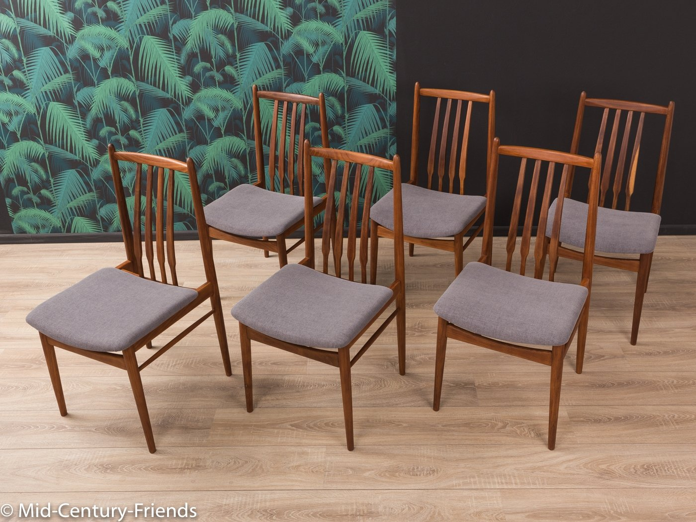 Picture of: Set Of 6 Walnut Dining Chairs From The 1960s 83524