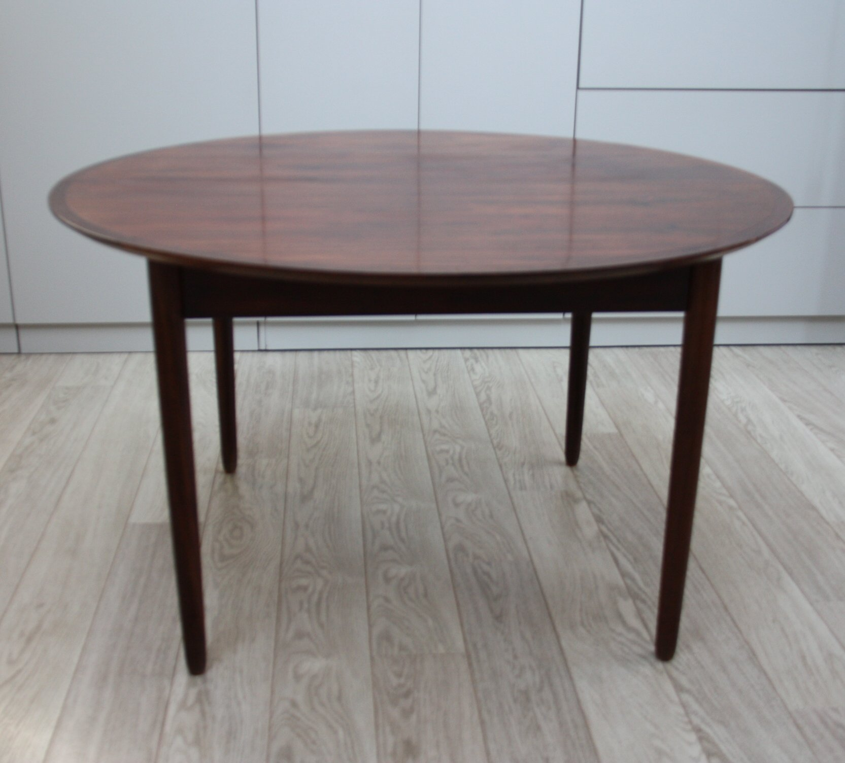 Vintage Round To Oval Extendable Dining Table In Rosewood 1960s 85713