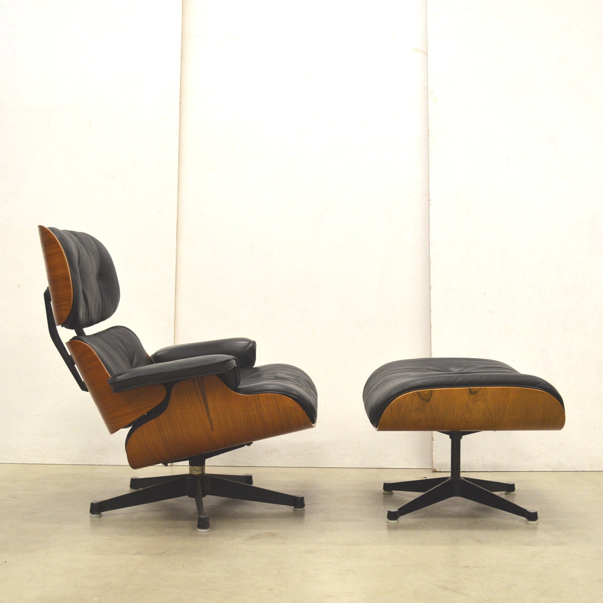 Lounge chair by Charles u0026 Ray Eames for Herman Miller 1960s : herman miller eames chairs - Cheerinfomania.Com