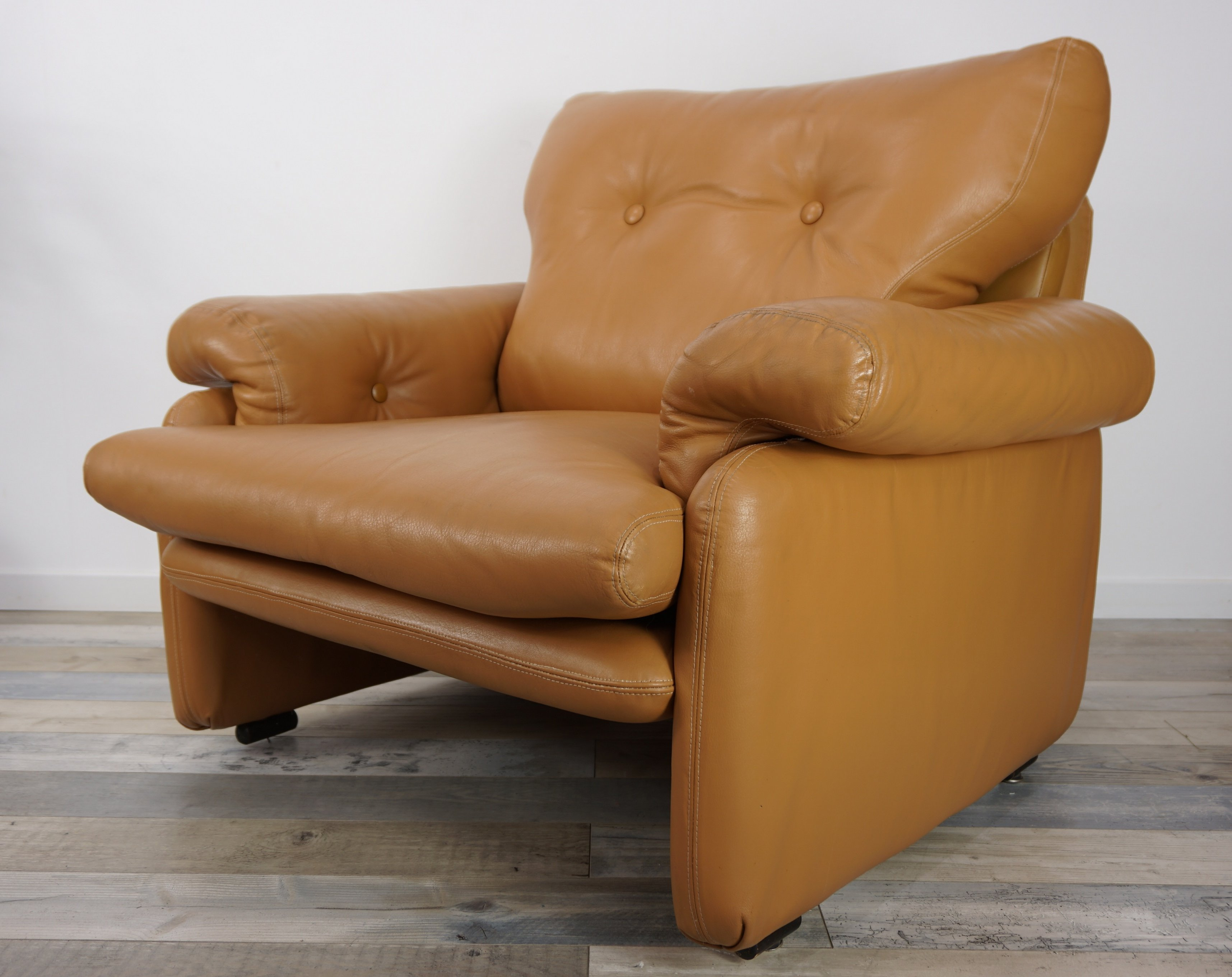 Pair Of Leather Coronado Armchairs By Afra Tobia Scarpa For