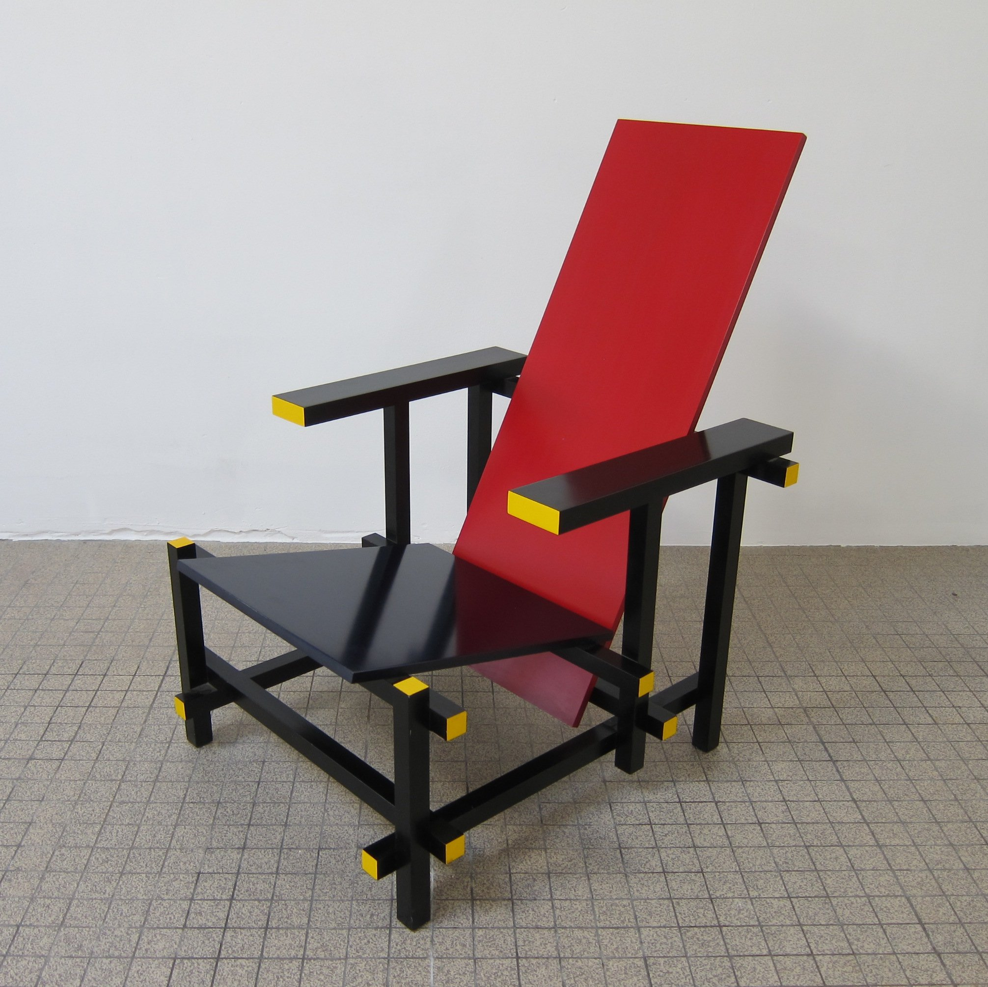 Blue Chair On Vintage Cassina Red Blue Chair By Gerrit Rietveld 83718